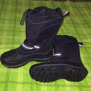L.L.Bean Boots big kids size 4